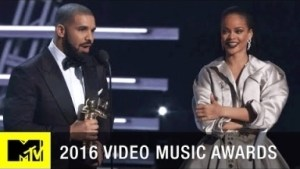 Drake Presents Rihanna with 2016 MTV Video Vanguard Award at VMAs